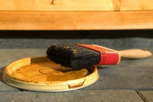 Brush on a lid