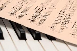 - a piano
