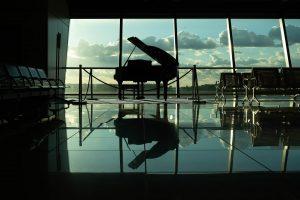 piano in a big room