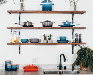 Clean kitchenware